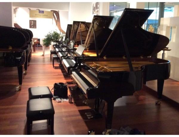 Sélection de notre piano de concert à Berlin, le C.Bechstein D-282